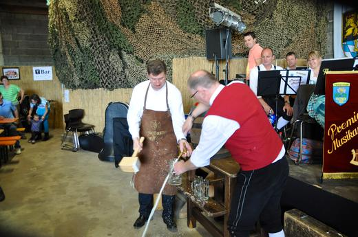 Bieranstich Feuerbergmusikanten